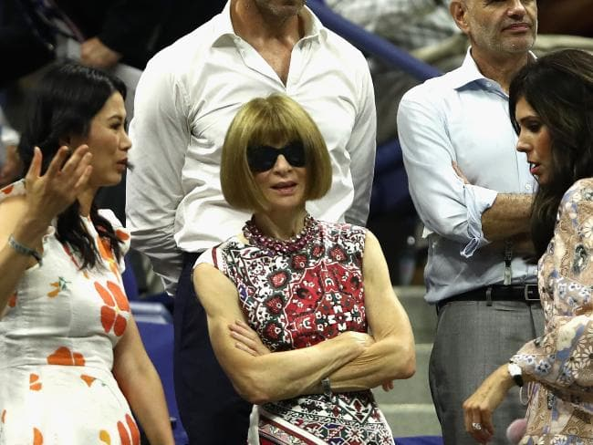 Editor-in-chief of Vogue Anna Wintour (centre) watches Serena play. Picture: Julian Finney/Getty Images